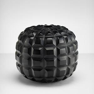 Vetro vaso nero piccolo inciso soffiato by Massimo Micheluzzi contemporary artwork