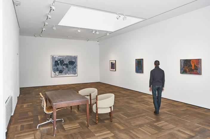 Exhibition view: Philip Guston, Transformation, Hauser & Wirth, St. Moritz (23 December 2020–28 March 2021). © The Estate of Philip Guston. Courtesy the Estate and Hauser & Wirth. Photo: Jon Etter.