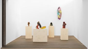 Contemporary art exhibition, Lynda Benglis, Ceramics & Sparkle Sculptures at Xavier Hufkens, Brussels