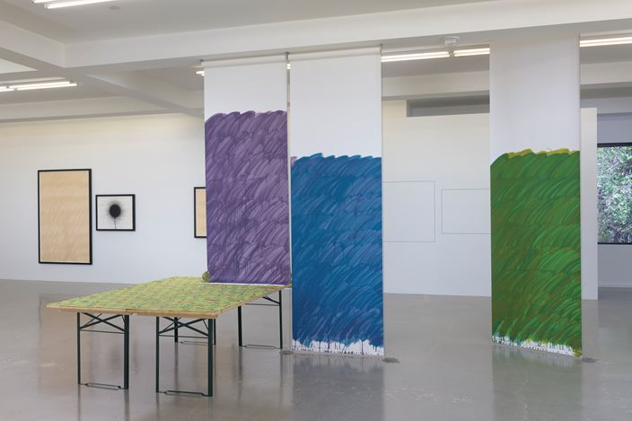 Exhibition view: Stephen Prina, galesburg, illinois+, Sprüth Magers, Los Angeles (12 May–11 August 2018). Courtesy the artist; Galerie Gisela Capitain, Cologne; Petzel Gallery, New York; and Sprüth Magers. Photo: Robert Wedemeyer.