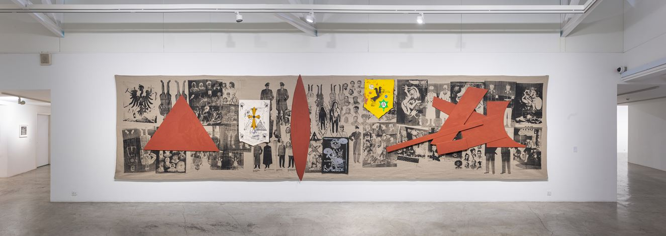 Exhibition view: Manuel Ocampo, Ideological Mash-Up/Remix, STPI, Singapore (17 May–22 June 2019). Courtesy STPI.