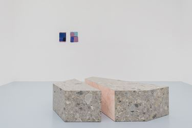 Exhibition view: Sam Moyer, Many Moons, rodolphe janssen (15 March–5 May 2018). Courtesy rodolphe janssen.