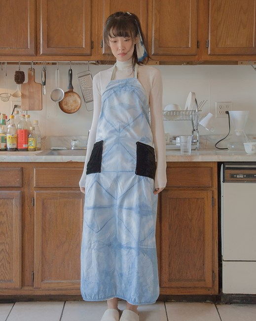 One Cooks, The Other Don't (Apron 6) by Chang Yuchen contemporary artwork