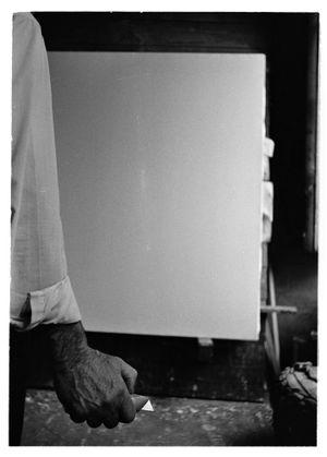 Lucio Fontana, Waiting, Milan (1) by Ugo Mulas contemporary artwork