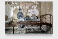 Unframed, Immigrants about to head back to their starting point revu par JR, courtesy of the Ellis Island Museum archives, USA by JR contemporary artwork photography