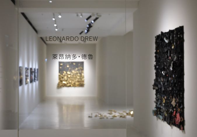 Exhibition view: Leonardo Drew, Pearl Lam Galleries, Pedder Building, Hong Kong (26 March–27 April, 2019). Courtesy Pearl Lam Galleries.