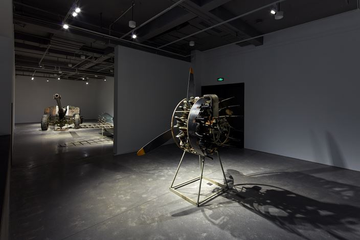 Exhibition view: Sun Yuan & Peng Yu, Free Biographies 列传, ARARIO GALLERY, Shanghai (25 October 2019–10 January 2020). Courtesy ARARIO GALLERY.