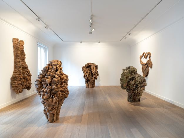 Exhibition view: Ursula von Rydingsvard, PGDY ONA - When She, Galerie Lelong & Co., 13 Rue de Téhéran, Paris (21 November 2019–11 January 2020). Courtesy Galerie Lelong & Co. Paris.