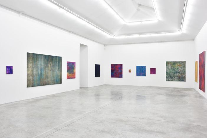 Exhibition view:Jean-Baptiste Bernadet, Hors Saison,Almine Rech Gallery, Paris (11 January–24 February 2018). Courtesy the artist and Almine Rech Gallery, Paris. Photo: © Rebecca Fanuele.