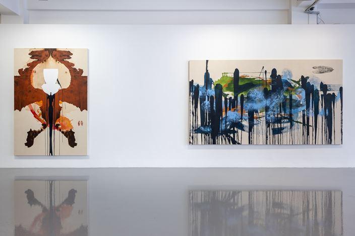 Exhibition view: Elizabeth Neel, Nightjars and Allies, Pilar Corrias, London (30 May–29 June 2019). Courtesy Pilar Corrias.