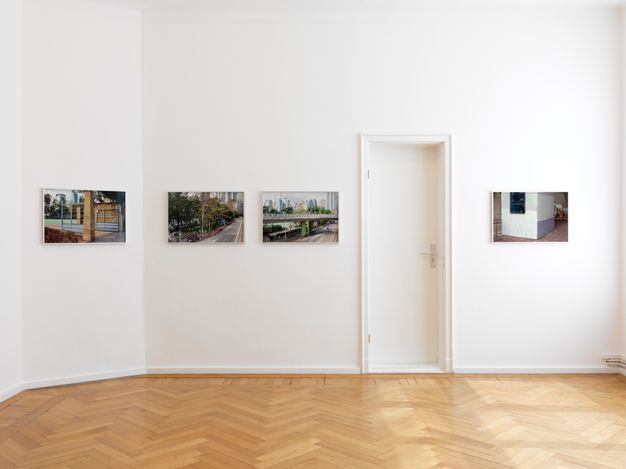 Exhibition view: Elisabeth Neudörfl, Out in the Streets,Galerie Barbara Wien, Berlin (28 April–22 August 2021). Courtesy Galerie Barbara Wien, Berlin.