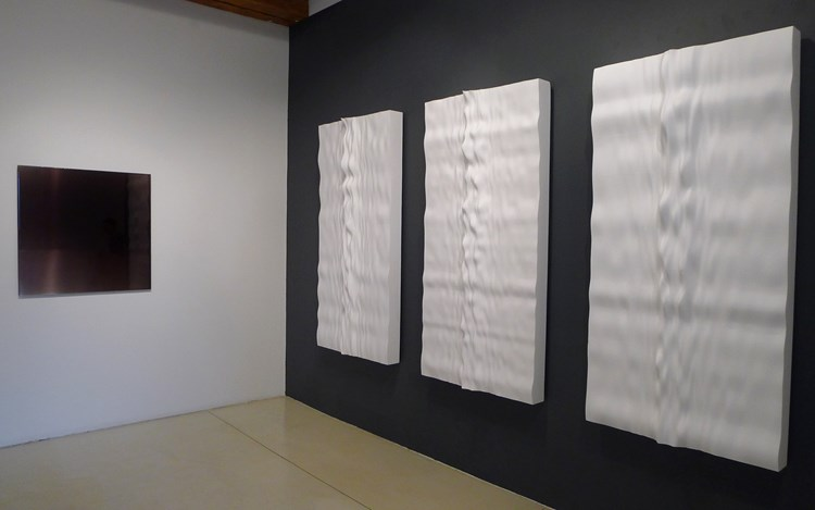 Exhibition view: Group Exhibition, Group Show, Sundaram Tagore, Chelsea, New York (18 June–15 August 2015). Courtesy Sundaram Tagore Gallery.