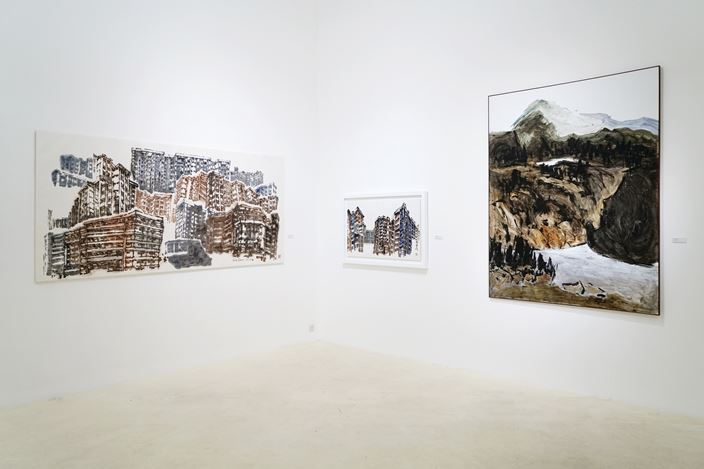 Exhibition view: Hong Sek Chern, Gu Gan, Chua Ek Kay,  Gu Wenda Thinking Ink: Improvisations on Cultural Criteria, Gajah Gallery, Singapore (28 July–21 August 2017). Courtesy Gajah Gallery, Singapore.
