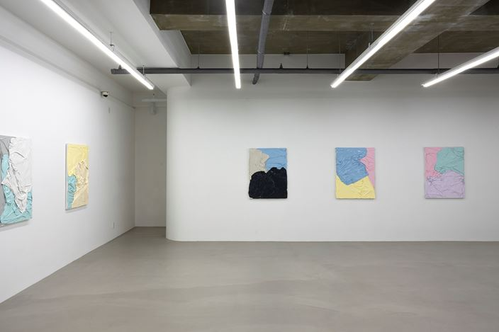 Exhibition view: Huseyin Sami, Chroma, Gallery One Four (13 June–8 August 2019). Courtesy Gallery One Four.