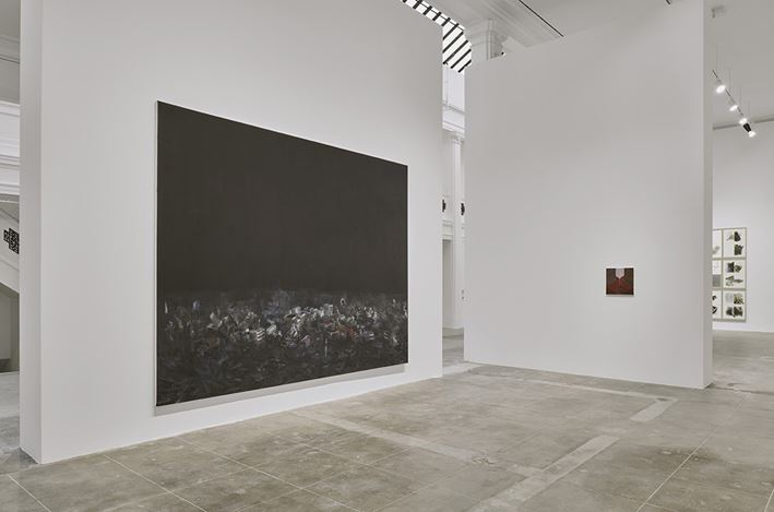Exhibition view: Guillermo Kuitca, Hauser & Wirth, Los Angeles (18 May–11 August 2019). © Guillermo Kuitca. Courtesy the artist and Hauser & Wirth. Photo: Mario de Lopez.
