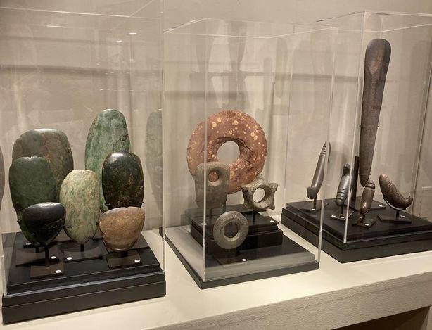 Exhibition view:Group exhibition, ...LITHICS,Galerie Meyer - Oceanic & Eskimo Art, Paris (7 September–2 October 2021).Courtesy, Galerie Meyer - Oceanic & Eskimo Art.