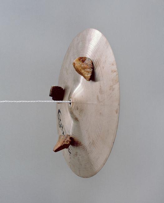 고스트 모션, 돌과 심벌 by Minji Yi contemporary artwork