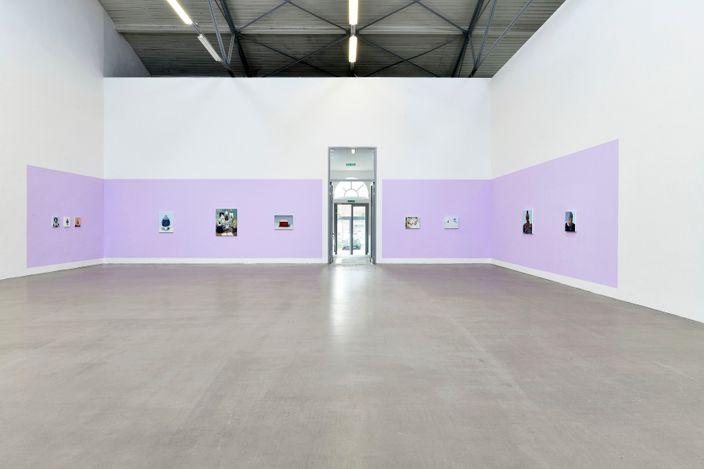 Melora Kuhn,Tales from the Dark, 2021, Galerie EIGEN + ART Leipzig, Installation view, photo: Uwe Walter, Berlin, courtesy Galerie EIGEN + ART Leipzig/Berlin