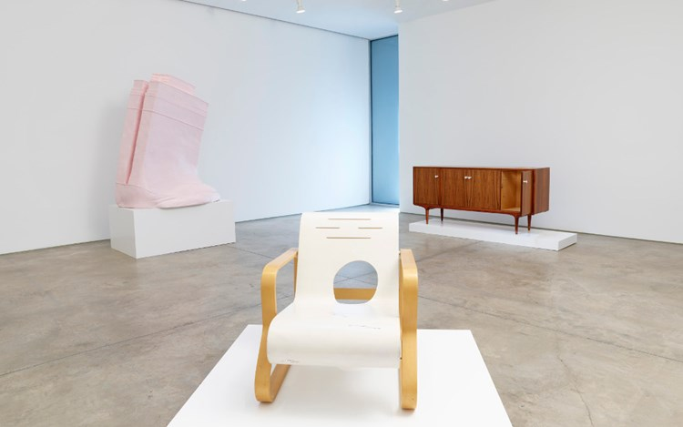 Exhibition view: Erwin Wurm, Ethics demonstrated in geometrical order, Lehmann Maupin, 536 West 22nd Street (30 Mar – 26 May, 20170. Courtesy Lehmann Maupin, New York and Hong Kong. Photo: Elisabeth Bernstein.