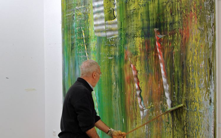 Gerhard Richter working on one of his Cage paintings, Cologne, Germany (2006). Artworks © Gerhard Richter 2020 (05102020). Photo: © Hubert Becker.