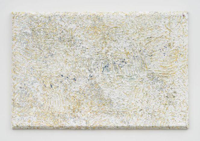 Sam Gilliam, Morning Rush (2021). Acrylic, tin, and aluminium granules on canvas. 121.9 x 182.9 x 7 cm. Courtesy David Kordansky Gallery.