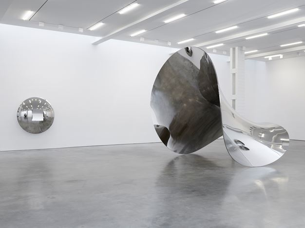Exhibition view: Anish Kapoor, Lisson Gallery, West 24th Street, New York (31 October–20 December 2019). © Anish Kapoor. Courtesy Lisson Gallery.