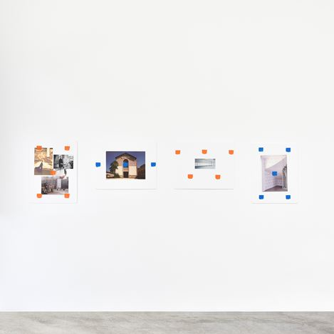 Exhibition view: Niele Toroni, Un tout de différences, Galerie Marian Goodman, Paris (16 May–25 July 2020).Courtesy the artist and Marian Goodman Gallery.Photo credit: Rebecca Fanuele.