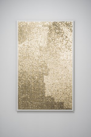 Gold Finger (124|77) by Tomii Motohiro contemporary artwork