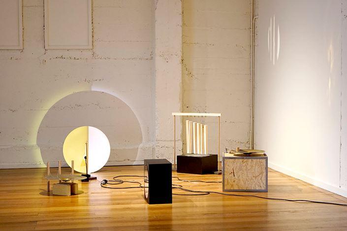 Michael Prior,Émigré 2. Felt, wood, cotton thread, 40 × 53.5 × 40 cm. Courtesy Gallery 9, Sydney.