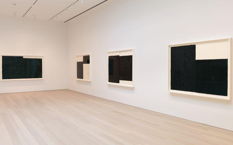 Exhibition view: Richard Serra, Triptychs and Diptychs, Gagosian, 980 Madison Avenue, New York (16 September–2 November 2019).© 2019 Richard Serra/Artists Rights Society (ARS), New York. Courtesy Gagosian. Photo: Rob McKeever.