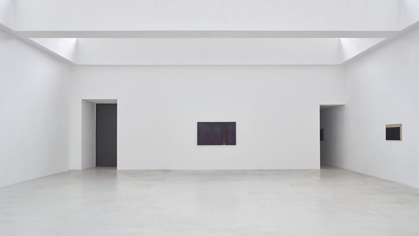 Exhibition view: Yun Hyong-keun, Untitled, Axel Vervoordt Gallery, Antwerp (24 October 2020–20 February 2021). Courtesy Axel Vervoordt Gallery.