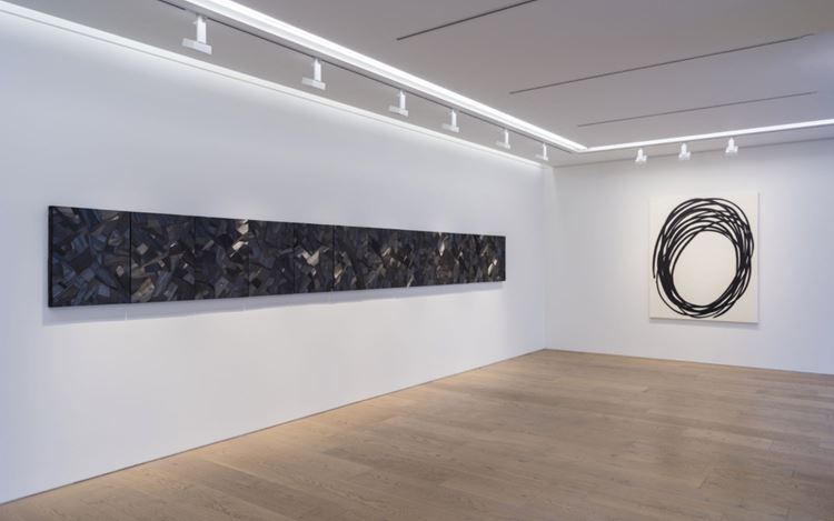 Exhibition view: Lee Bae, The Sublime Charcoal Light, Perrotin, Tokyo (3 July–29 August 2020). Courtesy the Artist and Perrotin.
