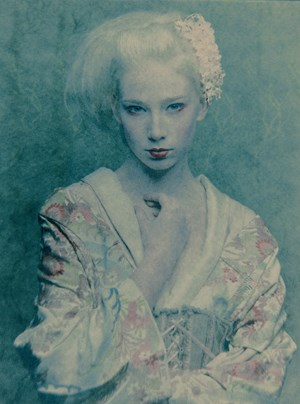Geisha White (Studium I) by Adam Lach Lunaris contemporary artwork
