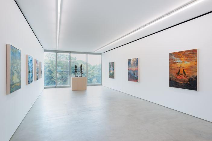 Exhibition view: Friedrich Kunath,Live Forever,Blum & Poe, Tokyo (7 September–19 October 2019).© Friedrich Kunath. Courtesy the artist and Blum & Poe, Los Angeles/New York/ Tokyo. Photo: SAIKI.