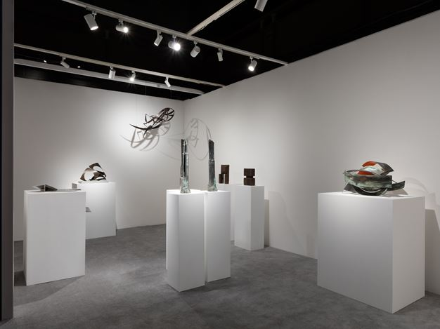 Kayne Griffin Corcoran, The ADAA Art Show, New York (28 February–3 March 2019).    Courtesy Kayne Griffin Corcoran, Los Angeles.  Photo: Charles Benton.