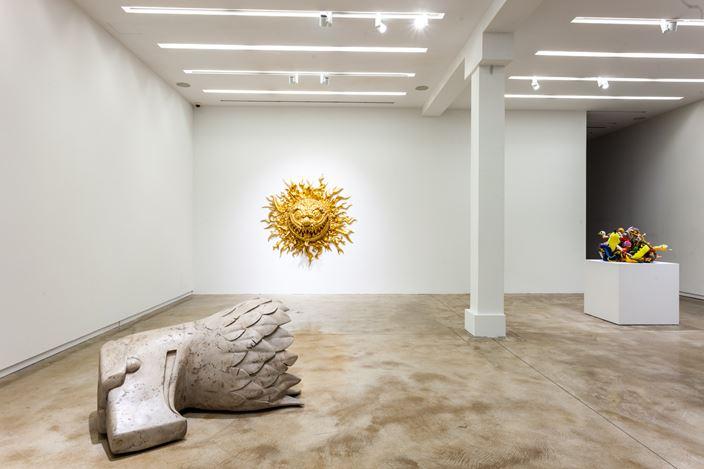 Exhibition view: Tony Tasset,The Weight, Elizabeth St., Chicago (28 February—1 August 2020). Courtesy Kavi Gupta.