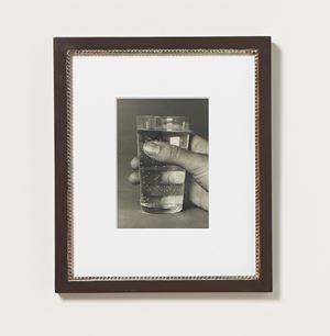 Meine Hand mit Wasserglas by Elfriede Stegemeyer contemporary artwork