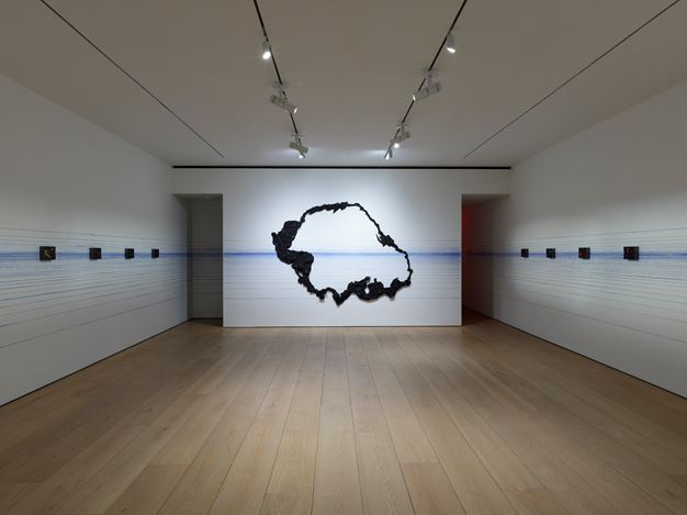 Exhibition view:Teresita Fernández, Maelstrom, Lehmann Maupin, 501 West 24th Street, New York (12 November 2020–23 January 2021). Courtesy the artist and Lehmann Maupin, New York, Hong Kong, Seoul, and London.