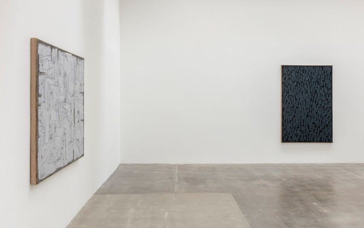 Ha Chong-hyun, Exhibition view, 2016. Photo: Joshua White/JWPictures.com. Courtesy of the artist and Blum & Poe, Los Angeles/New York/Tokyo.