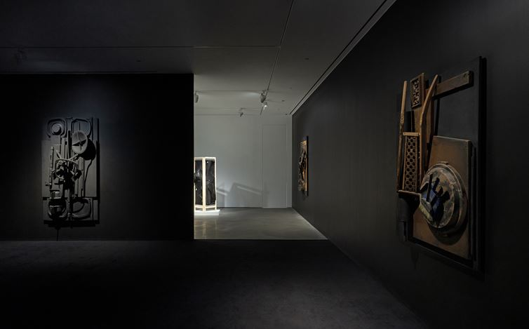 Exhibition view:Louise Nevelson & Yin Xiuzhen,Pace Gallery, Hong Kong (21 September–15 November 2019). Courtesy Pace Gallery.