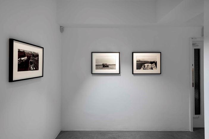 Exhibition view: Bruce Davidson,A United Kingdom, Huxley-Parlour, London (17 January–14 March 2020).Courtesy Huxley-Parlour.