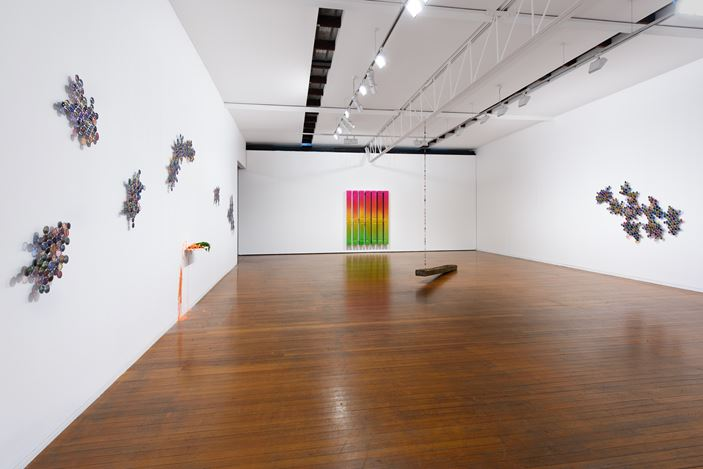 Exhibition view: Jim Lambie, Wild is the Wind, Roslyn Oxley9 Gallery, Sydney (30 October—23 November 2019). Courtesy Roslyn Oxley9 Gallery. Photo: Luis Power