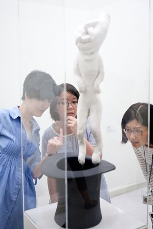 Exhibition view:Group Exhibition,Parkett – 220 Artists' Editions & Collaborations +5,Taipei Fine Arts Museum, Taipei (18 May–25 August 2013). Courtesy Parkett.