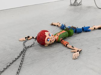 Exhibition view: Jordan Wolfson,David Zwirner, New York (5 May–25 June 2016). Courtesy David Zwirner, New York.