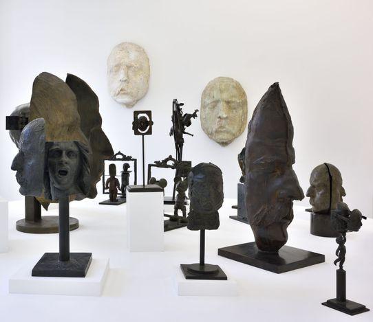 Exhibition view:César, César & César & César..., Almine Rech, Paris (12 June–31 July 2021). Courtesy Almine Rech and César Foundation. Photo: Rebecca Fanuele.