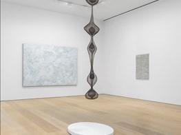 A Mega-Gallery Marks a Quarter Century