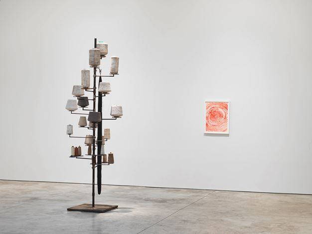 Exhibition view: Louise Bourgeois, Louise Bourgeois: Spiral, Cheim & Read, New York (8 November–22 December 2018). © The Easton Foundation/VAGA at ARS, NY. Courtesy Cheim & Read.