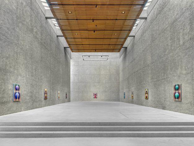 Exhibition view:Loie Hollowell, Sacred Contract, KÖNIG GALERIE | Nave, Berlin (28 April–13 June 2021) CourtesyKÖNIG GALERIE. Photo: Roman März.