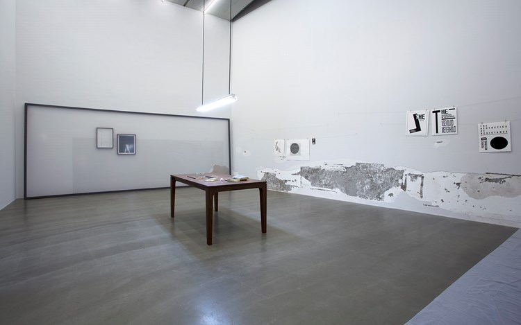 Exhibition view: Yan Xing, Thief, Galerie Urs Meile, Beijing (29 August–25 October 2015). Courtesy The Artist and Galerie Urs Meile, Beijing-Lucerne.