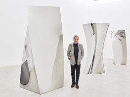 "Anish Kapoor<br><em>Gathering Clouds</em><br><span class=""oc-gallery"">Kukje Gallery</span>"